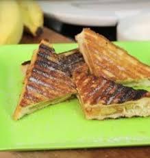torta de banana na sanduichueira