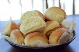 Pão caseiro de leite prático e delicioso