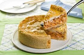 Deliciosa torta salgada de frango com catupiry