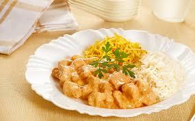 Estrogonofe de frango cremoso e muito delicioso