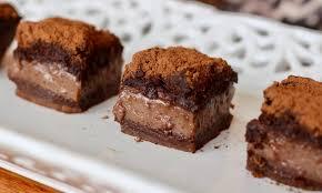 Bolo mágico de chocolate delicioso e prático