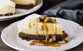 sobremesa de bolo com sorvete
