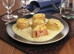 receita de rondelli com massa de pastel e molho branco