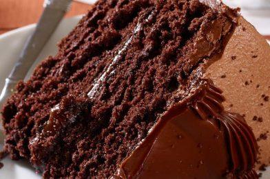 Bolo de chocolate molhadinho delicioso
