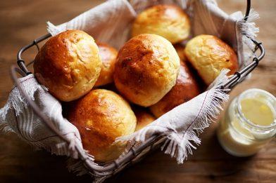 Receita de pão doce simples e prático