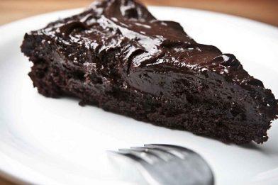 Bolo cremoso de chocolate delicioso
