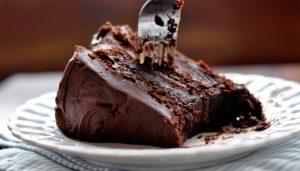 bolo cremoso de chocolate