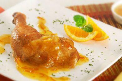 O mais saboroso frango inteiro assado com laranja