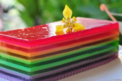 Delicioso e bonito pudim arco íris