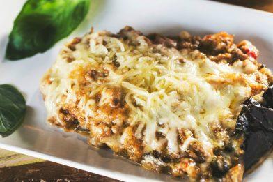 Berinjela com carne moída e queijo rápida e deliciosa