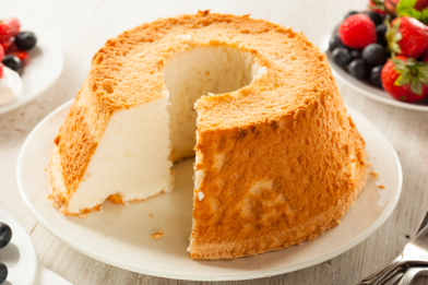 Receita simples de bolo liso de liquidificador