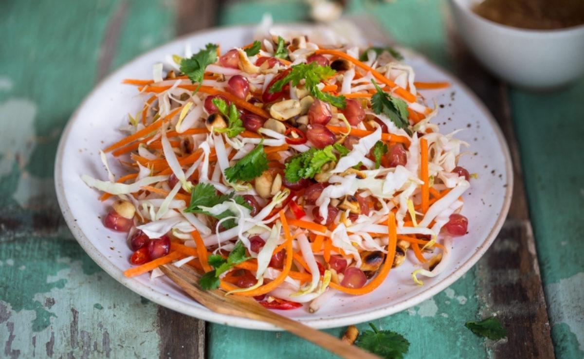 salada refrescante de repolho