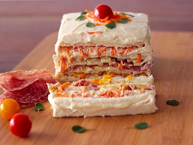 torta salgada colorida