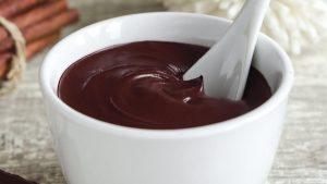 cobertura de chocolate com creme de leite