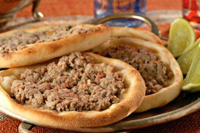Esfirra de carne tradicional deliciosa e simples