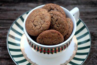 Receita de biscoito caseiro de chocolate simples