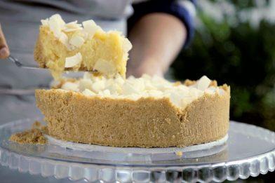 Torta doce de liquidificador simples e deliciosa