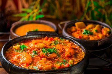 Deliciosa receita de moqueca de peixe com pirão