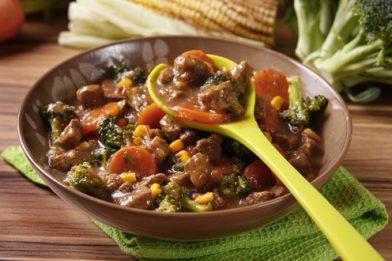 Carne com legumes delicioso