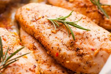 Deliciosa receita com peito de frango simples e rápido