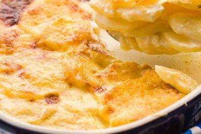 Uma deliciosa batata gratinada prática