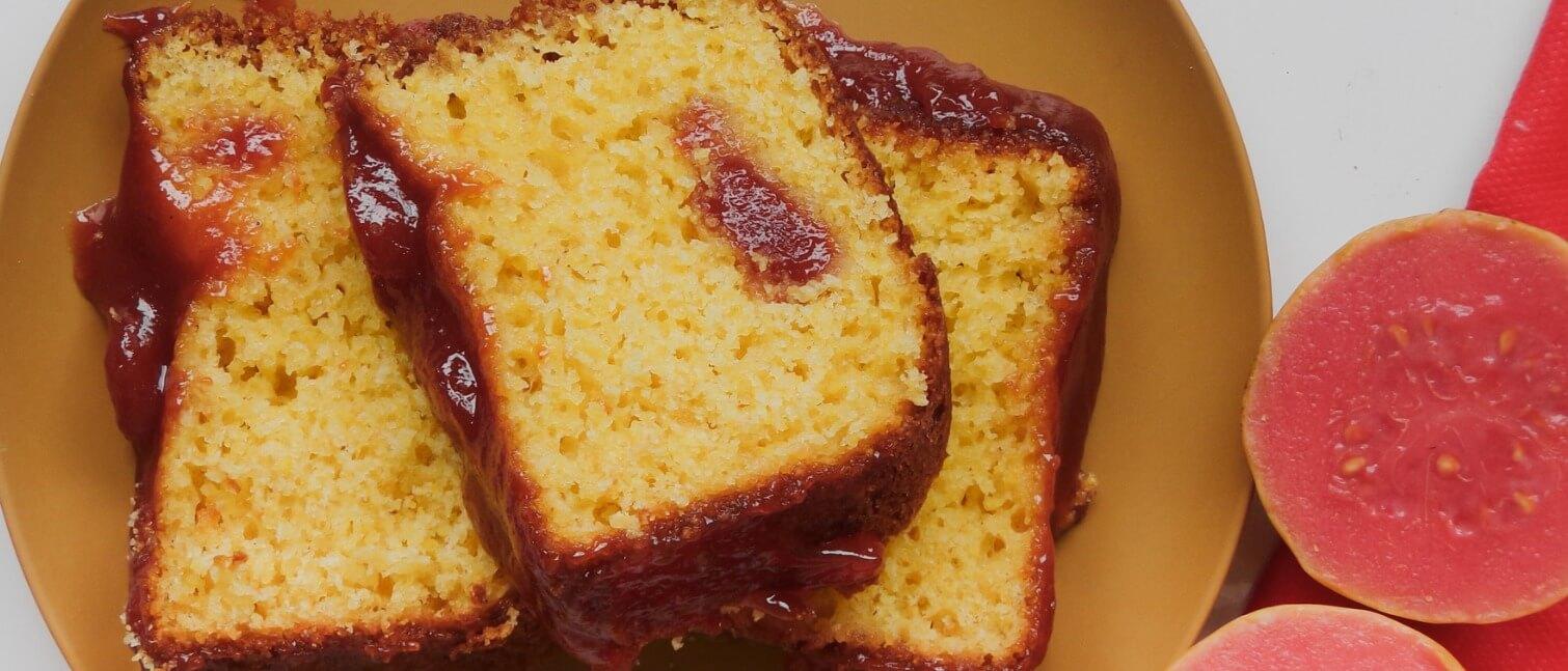bolo de queijo com goiabada de liquidificador