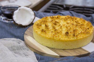 Prático e rápido bolo de aipim com coco