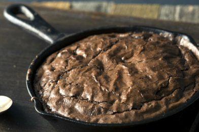 Simples e muito prático bolo de chocolate