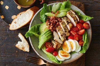 A deliciosa e tradicional cobb salad