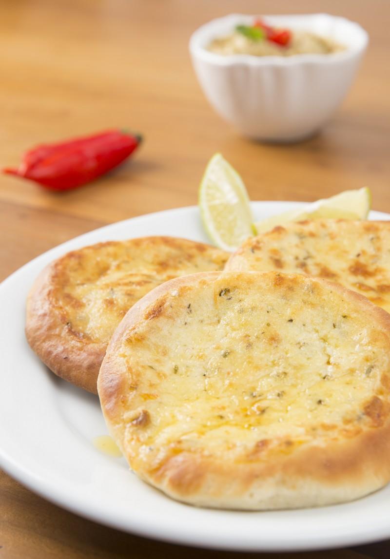 esfirra aberta de queijo