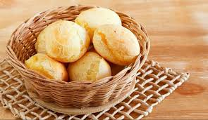 Pão de queijo no microondas