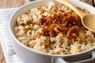 Delicioso prato tradicional de Mjadra