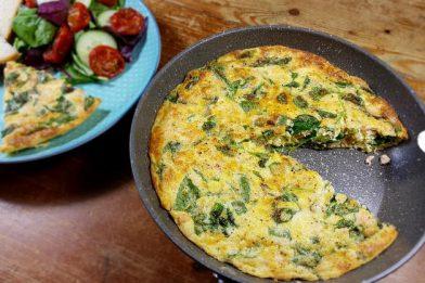 Omelete de espinafre simples e rápido