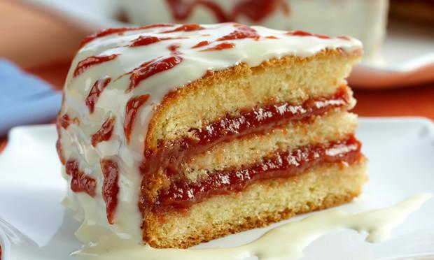 receita de bolo com recheio de goiabada