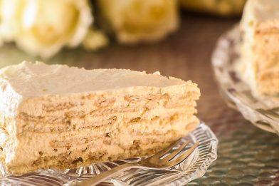 Deliciosa e prática torta de bolacha com leite condensado