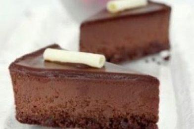 Deliciosa torta mousse de chocolate receita simples
