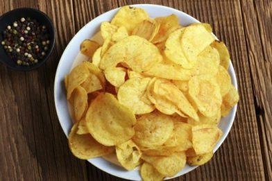 Chips de batata de microondas