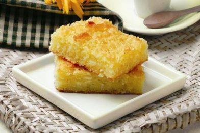 Delicioso bolo de macaxeira simples