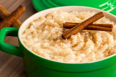 Deliciosa e simples arroz doce caseiro