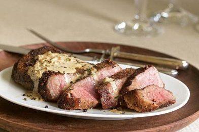 Steak Au Poivre clássico francês