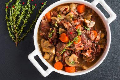 Cozido típico francês - Bouef Bourguignon