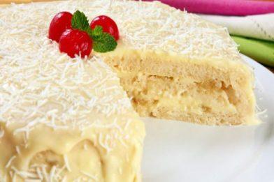 Delicioso bolo de abacaxi com creme