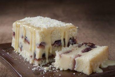 Simples recheio branco para bolo rápido