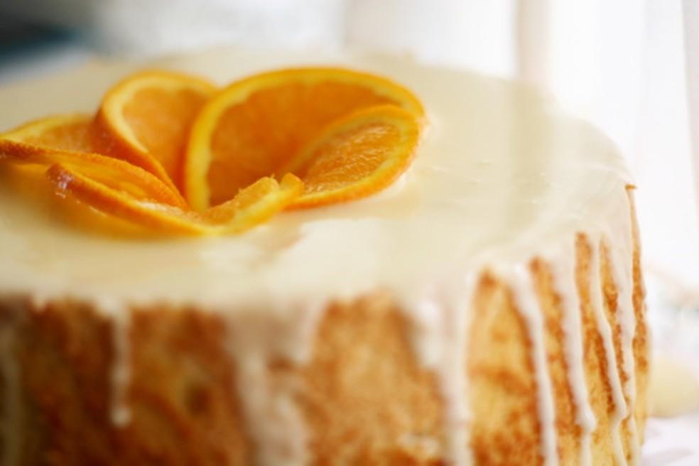 bolo de laranja com cobertura