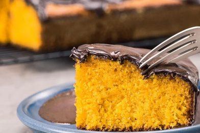 Delicioso bolo integral de cenoura simples