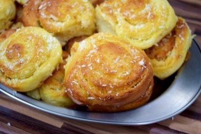 Pão caseiro doce muito simples e gostoso