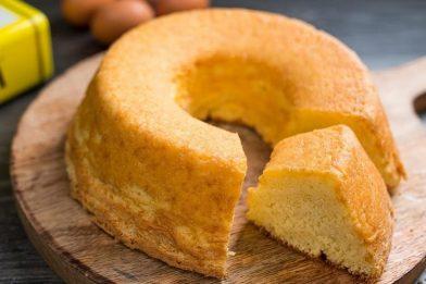 Delicioso bolo branco fofinho