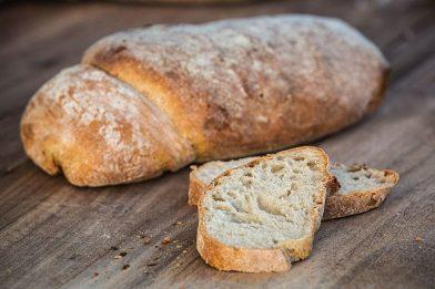 Receita de pão caseiro simples e muito gostoso