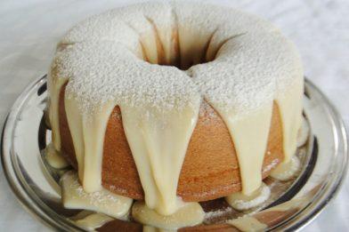 Simples bolo de ninho