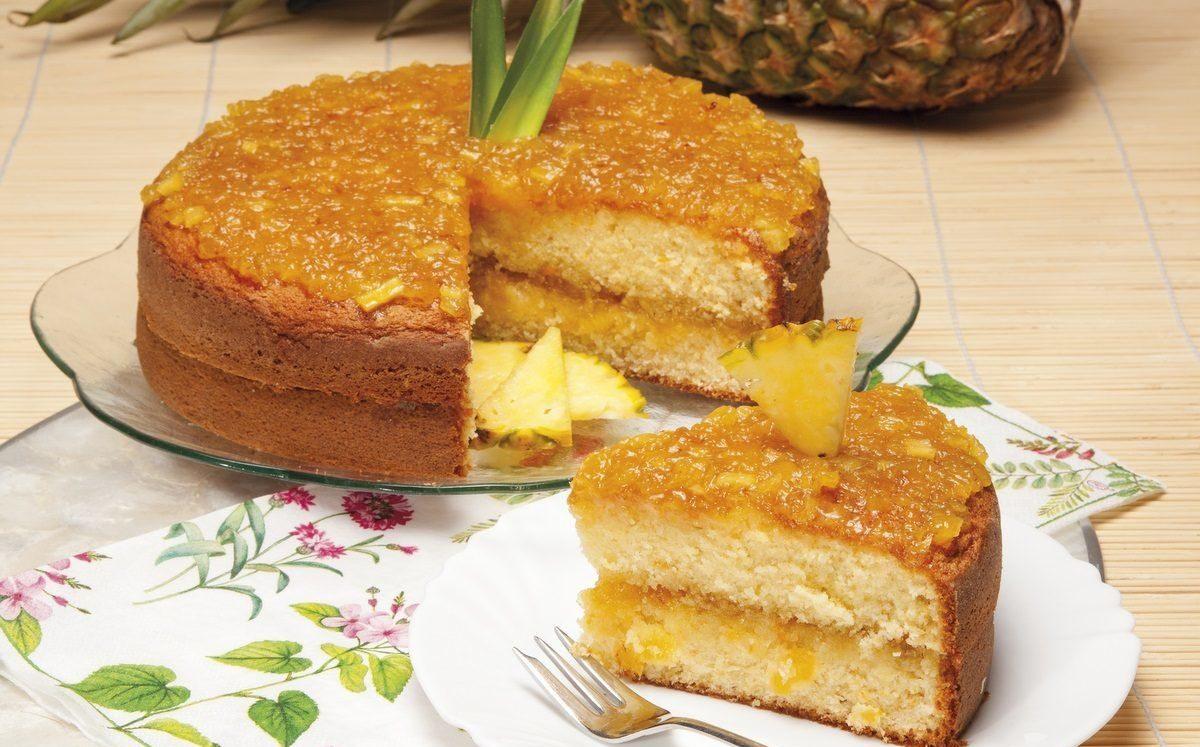 bolo de abacaxi simples